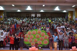 900餘同學受助開學不用擔心學費。(家扶提供)