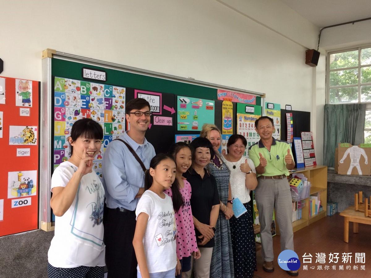 南梓國小轉型為雙語實驗小學 一週6節英語授課