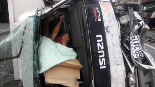 田中鎮中南路發生貨車衝撞 力道強勁駕駛卡在車內