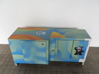 台北市環保局回收了一批用於世大運的安檢櫃,並改造成各式實用置物櫃,預定在9月10日於內湖再生家具展示場舉辦的再生家具特賣會中亮相。(圖/台北市環保局)