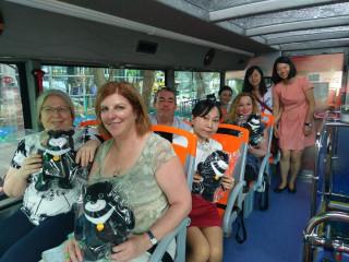 搶攻中東市場 以色列媒體團搭乘觀光巴士體驗新舊台北