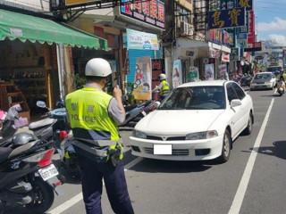 還給用路人良好道路環境 東港警強力掃蕩違停車輛