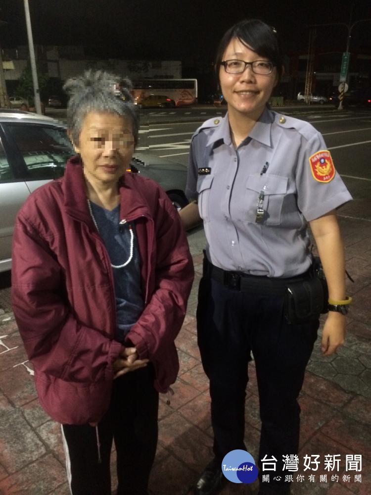 老婦人被丟包醫院 熱心警協助轉介社工關懷輔助