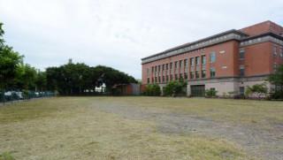 鄭市長表示,勘查選址後,決定將50公尺的競賽池設置於平鎮高中旁的文中八用地。