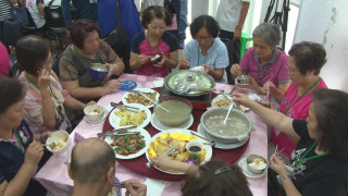打造友善高齡城市 新福里推共餐活動