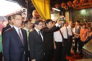 代理市長李孟諺陪同賴清德院長赴天壇祈福。