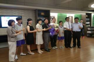 慶祝教師節,台南市教育局選出8名優良特殊教育人員。