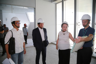 衛福部長訪永在食安大樓 張縣長強調大樓規格依照國際標準
