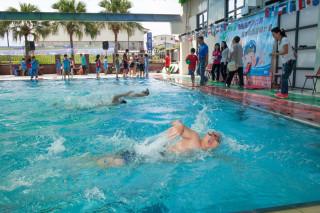 集集鎮長盃游泳比賽登場。