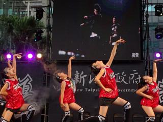 兒童街舞表演賽,兒童霹靂舞對決,帥萌指數破表。(圖/記者黃村杉攝)
