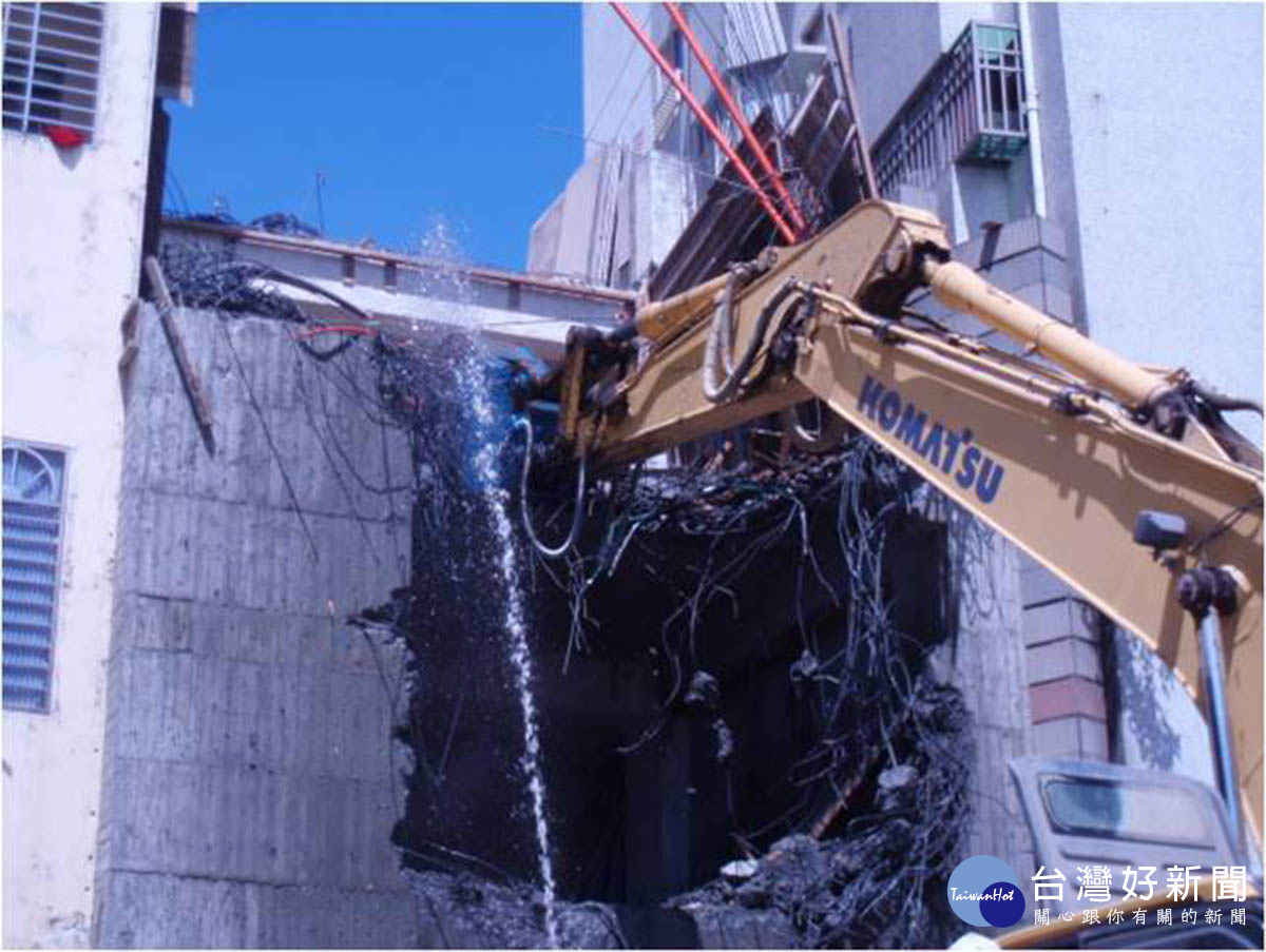 高市工務局層層把關 建築