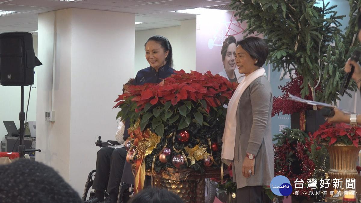 聖誕紅義賣 助脊髓損傷病友募重建經費