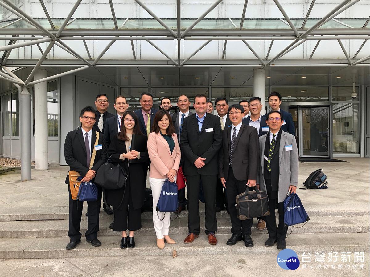 全球民用機面臨換機和新機採購潮,南台灣航產業者團結赴歐搶商機。(圖/記者郭文君攝)