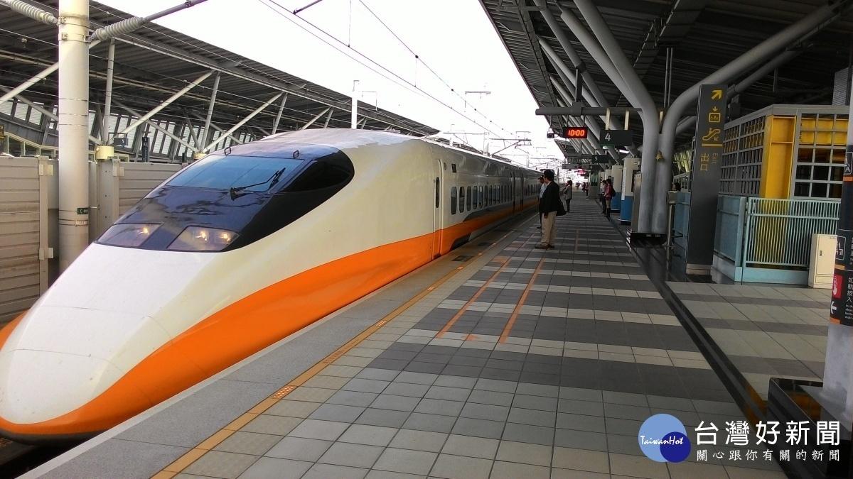 秋冬防疫專案 12/1起旅客進入雙鐵車站須戴口罩