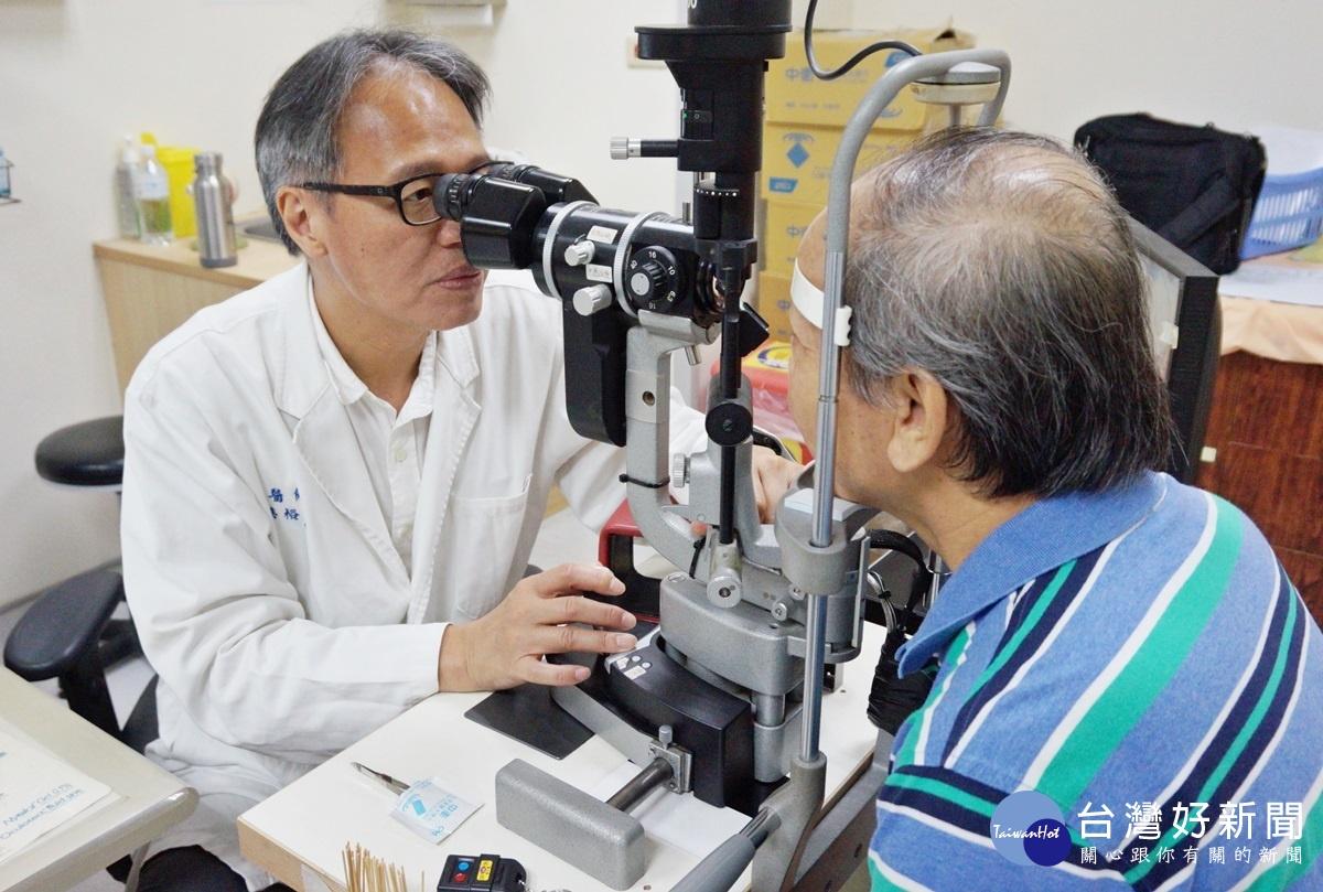 白內障病患新選擇 「飛秒雷射手術」保護眼角膜