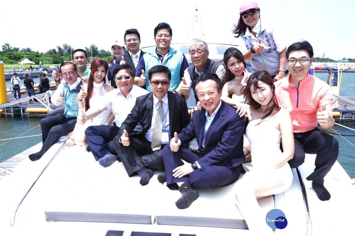 促进滨海地区观光 台湾公主布袋游艇港开幕