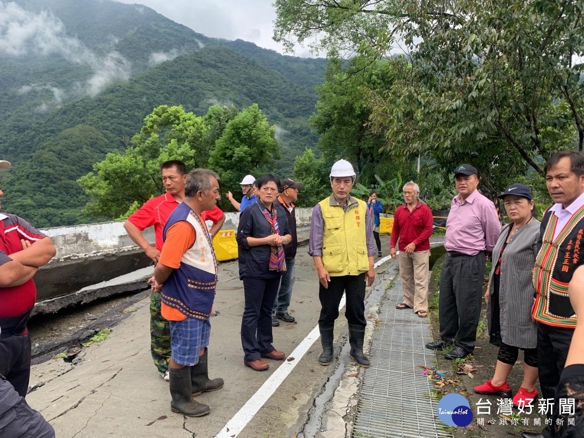 高雄市工務局長親赴桃源區勘察四社部落道路災情。