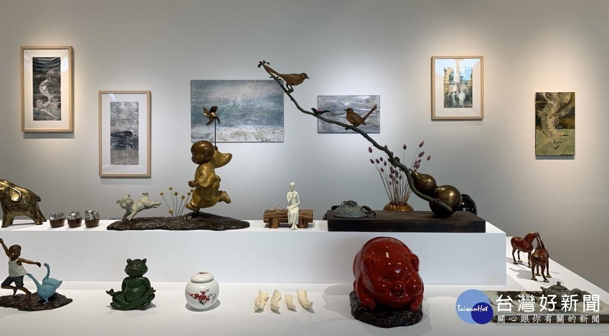 時尚生活 精品美學展結合二十位設計師收藏, 展出234件稀有設計精品。