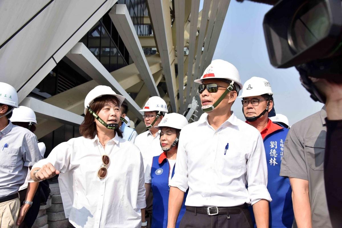 高雄市長韓國瑜視察高雄流行音樂中心與駁二藝術特區。