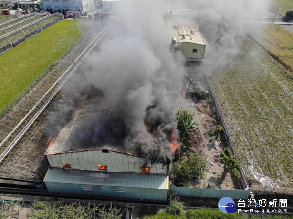 埔鹽鄉木材工廠火警 濃煙沖天火勢兇猛幸無人傷亡