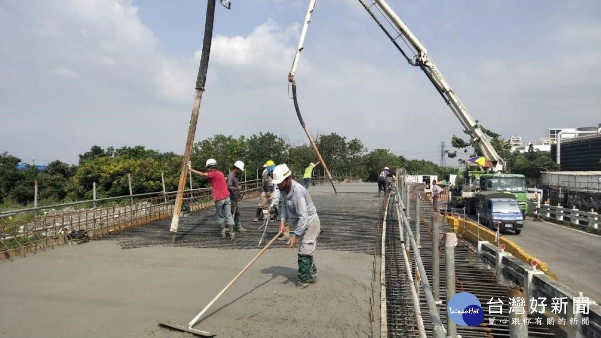 高市林園溪州橋改建工程 11