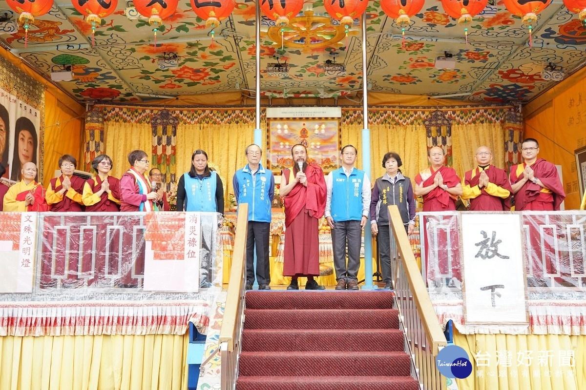 行動佛殿第68站駐錫新竹關西 帶領信眾恭誦佛經為眾生祈福