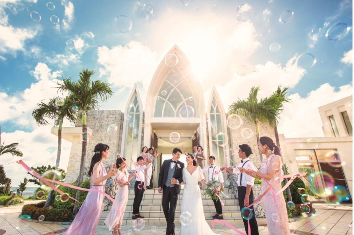 海外婚禮夯 浪漫婚紗、海景教堂、莊園度假包套搶商機