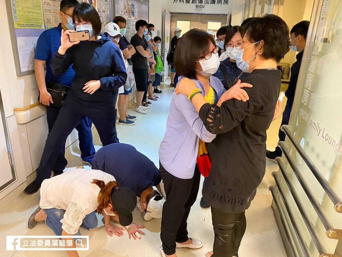 員警遭無照少年撞車命危 葉毓蘭探望痛心:腦幹就像豆腐掉地上,碎了!