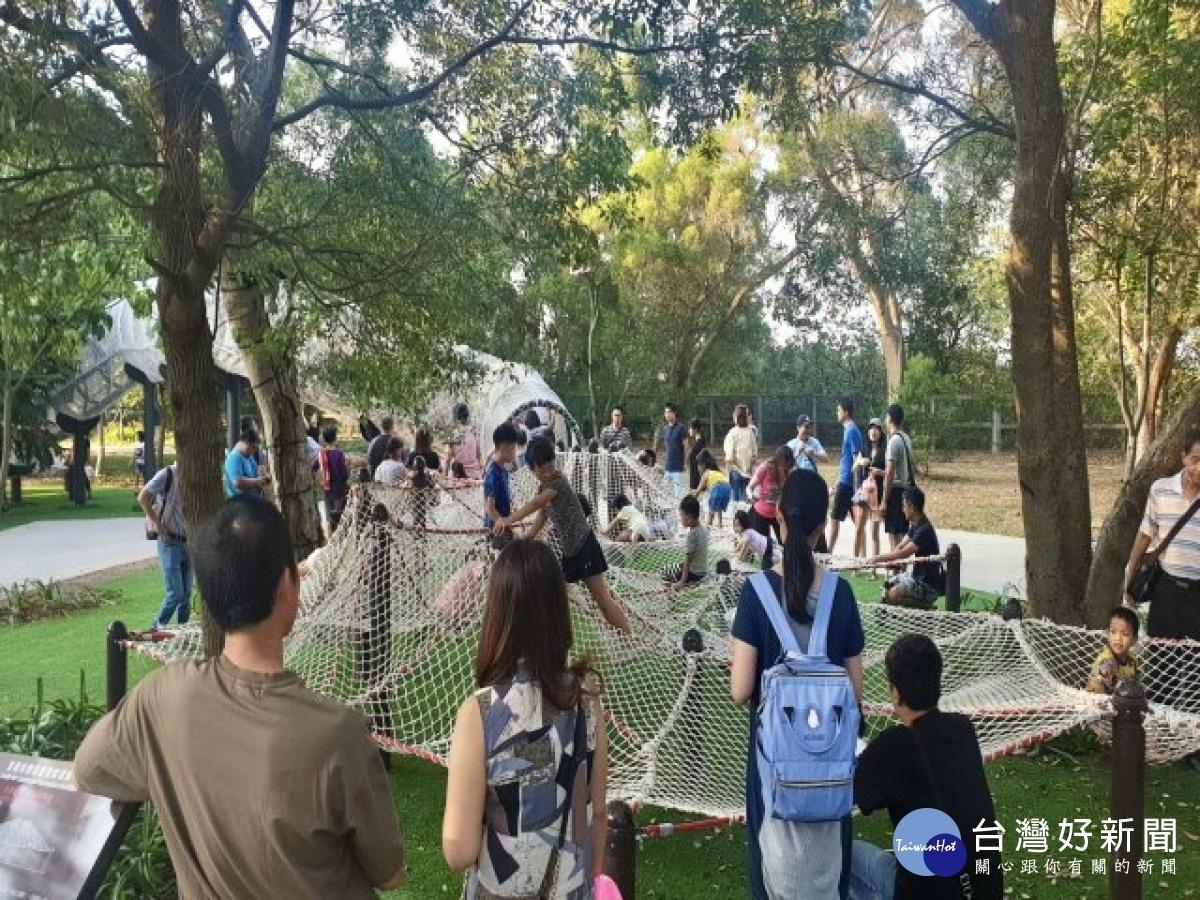 大甲鐵砧山雕塑公園共融遊戲場啟用 地方期找回早日榮景