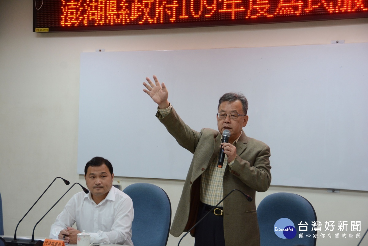 出席為民服務講習 賴峰偉勉勵同仁強化歷練提升服務品質