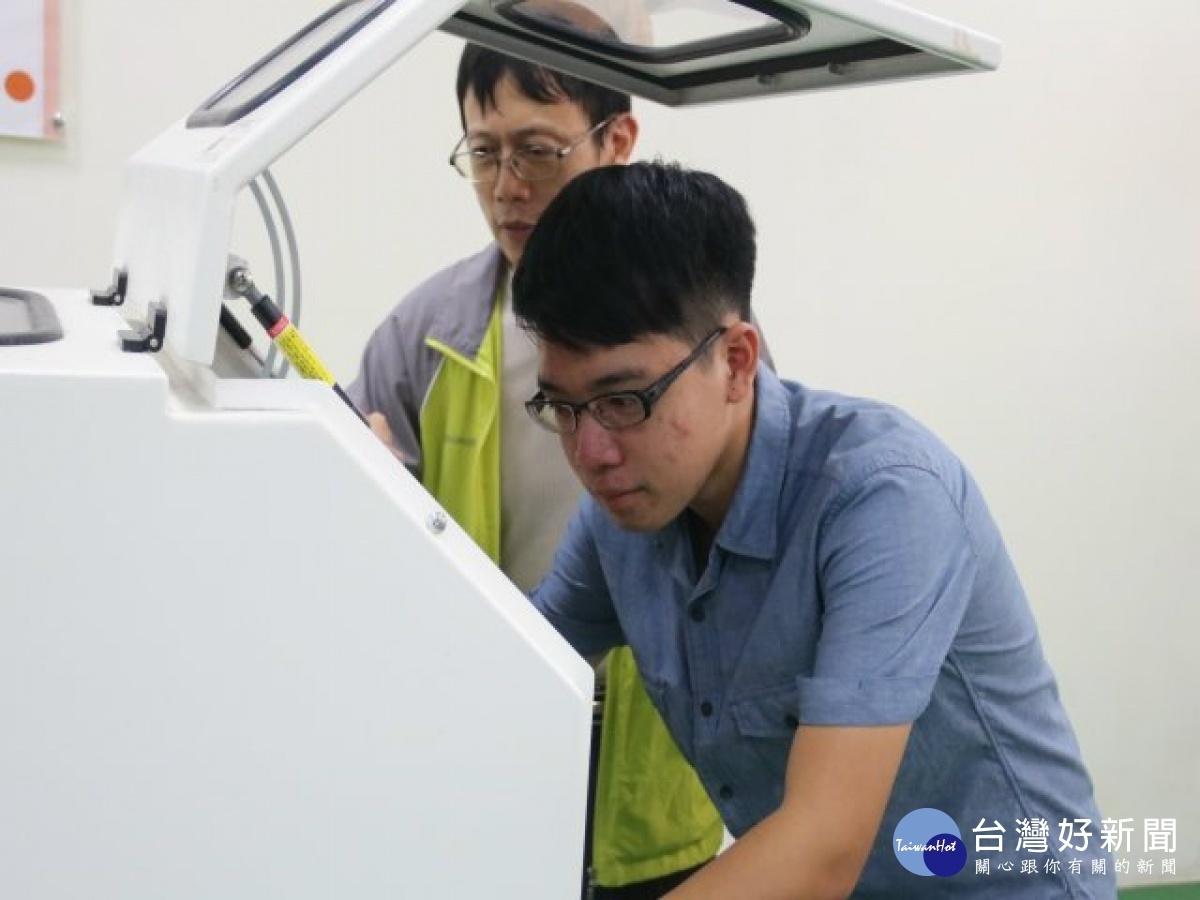 打工兼顧課業 弘光醫工系學生獲中華民國醫工學會獎學金