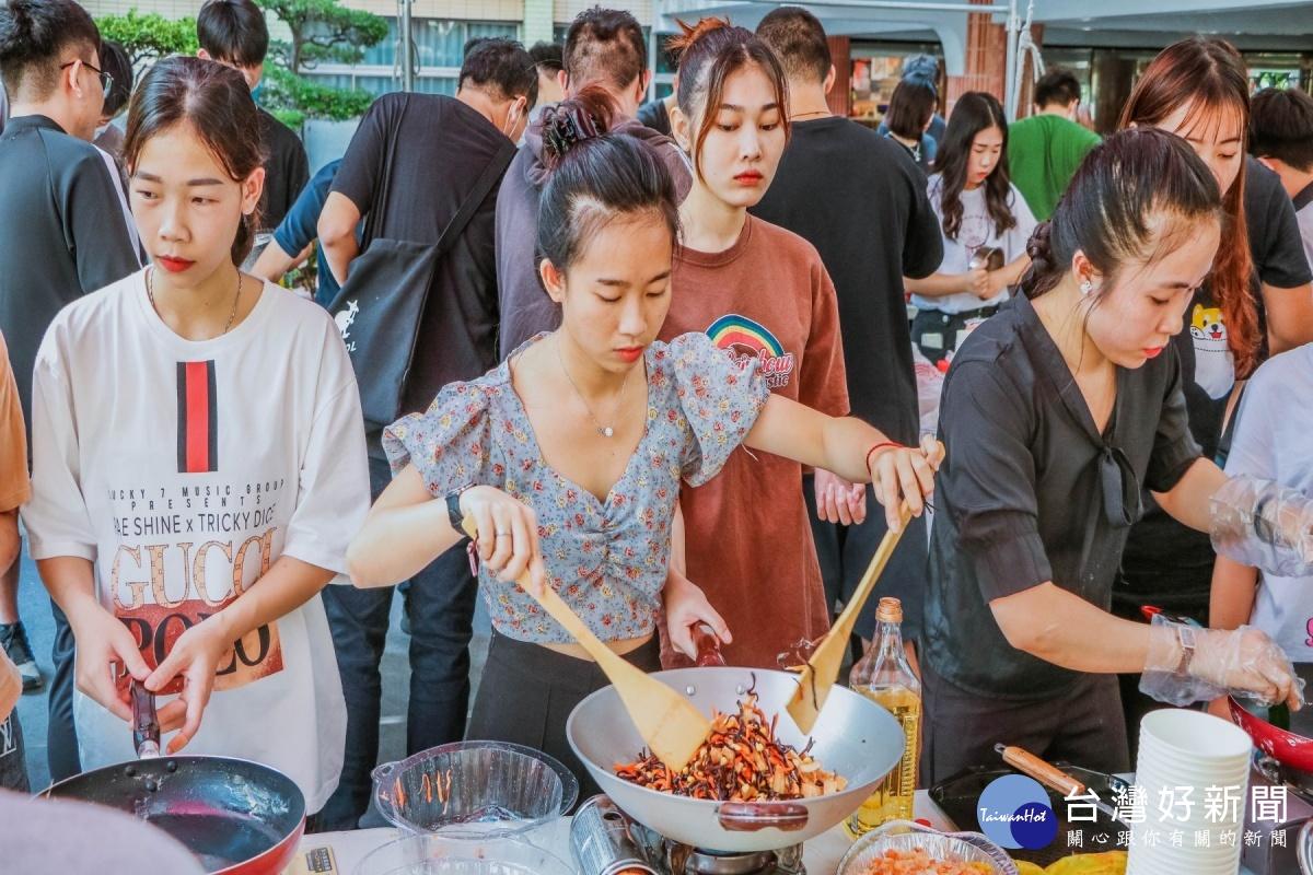 韓國文化週 崑山科大飲食交流品嚐韓式風情
