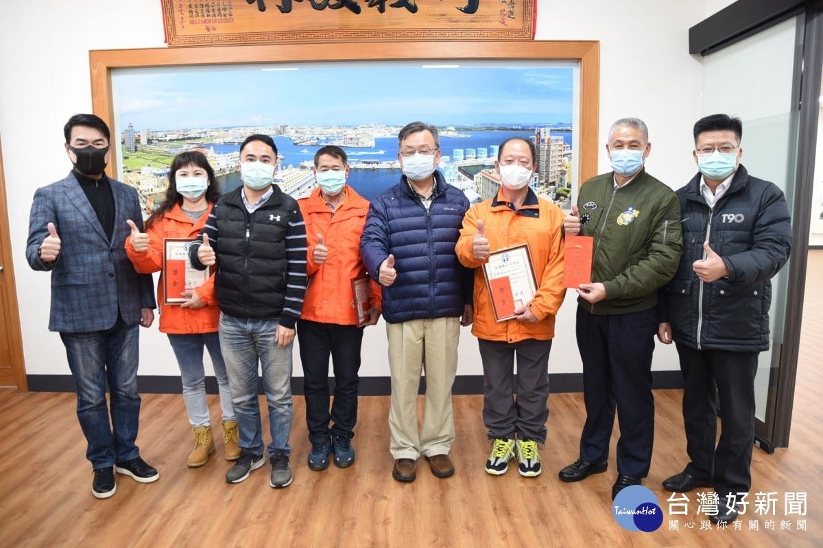 賴峰偉表揚績優清潔隊員 感謝維護澎湖環境整潔