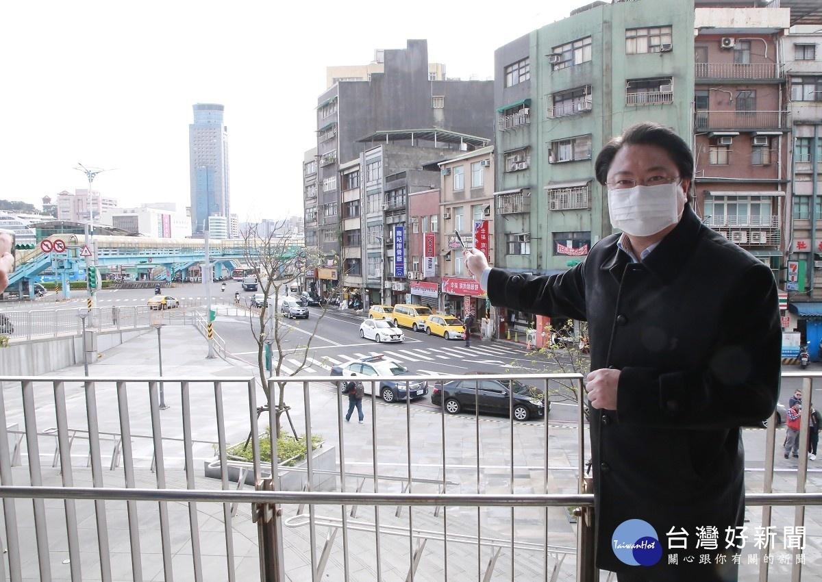 視察國門廣場第一階段工程及公車路線 林右昌籲細膩把衝擊降到最低