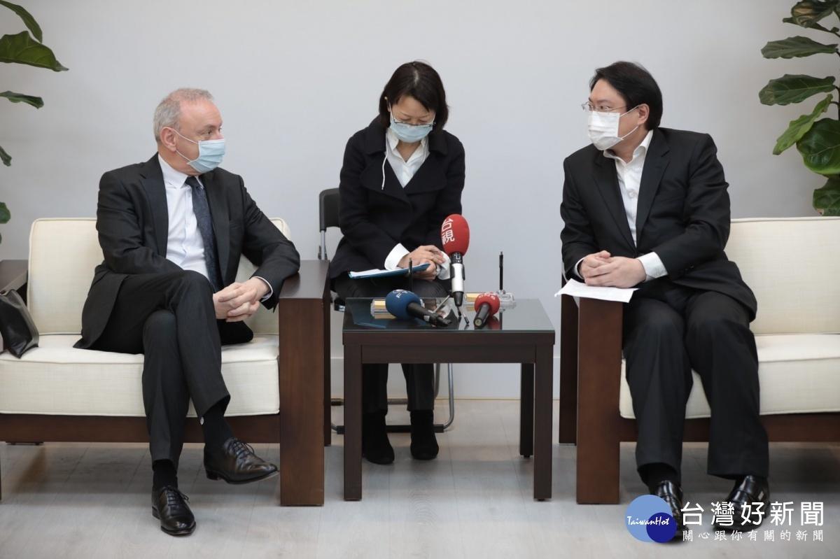 法國在台協會主任公孫孟來訪 林右昌盼未來彼此有更多交流