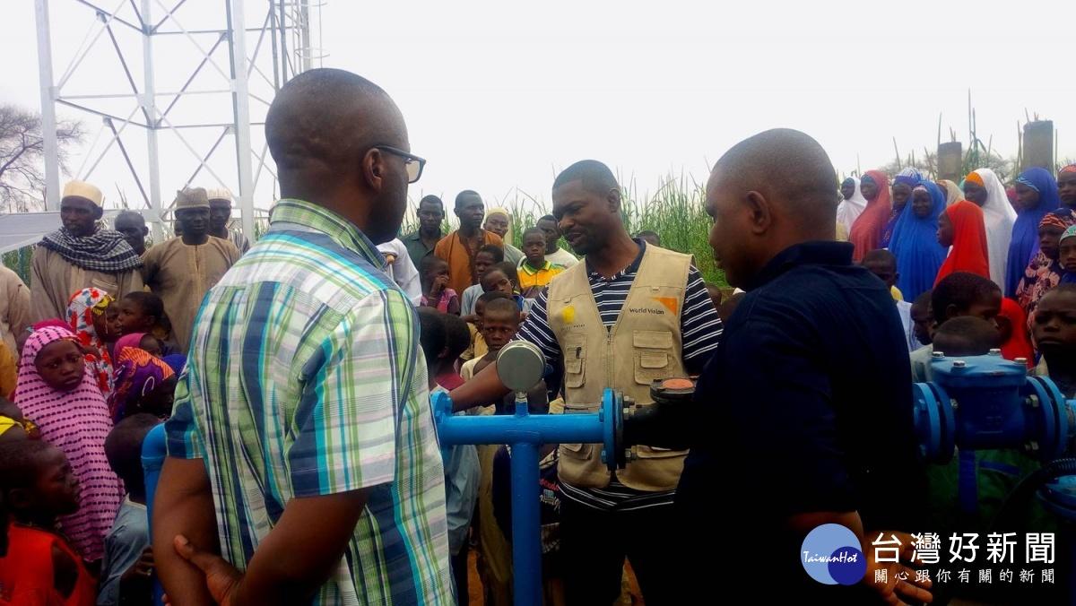 1500人使用2間廁所 非洲學童選擇露天便溺