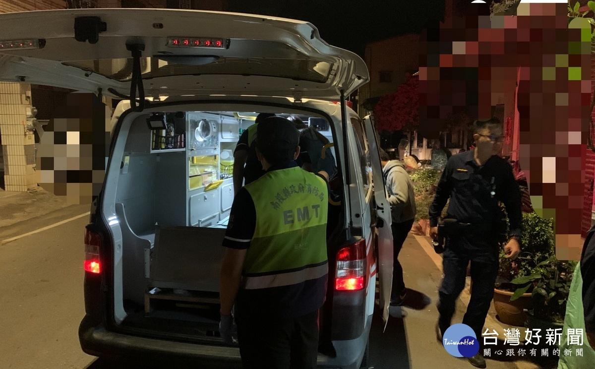 女子深夜車內擬輕生 暖警及時尋獲救援化解
