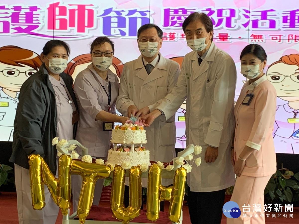 護理力量無可限量 新竹臺大分院護師節唯美浪漫