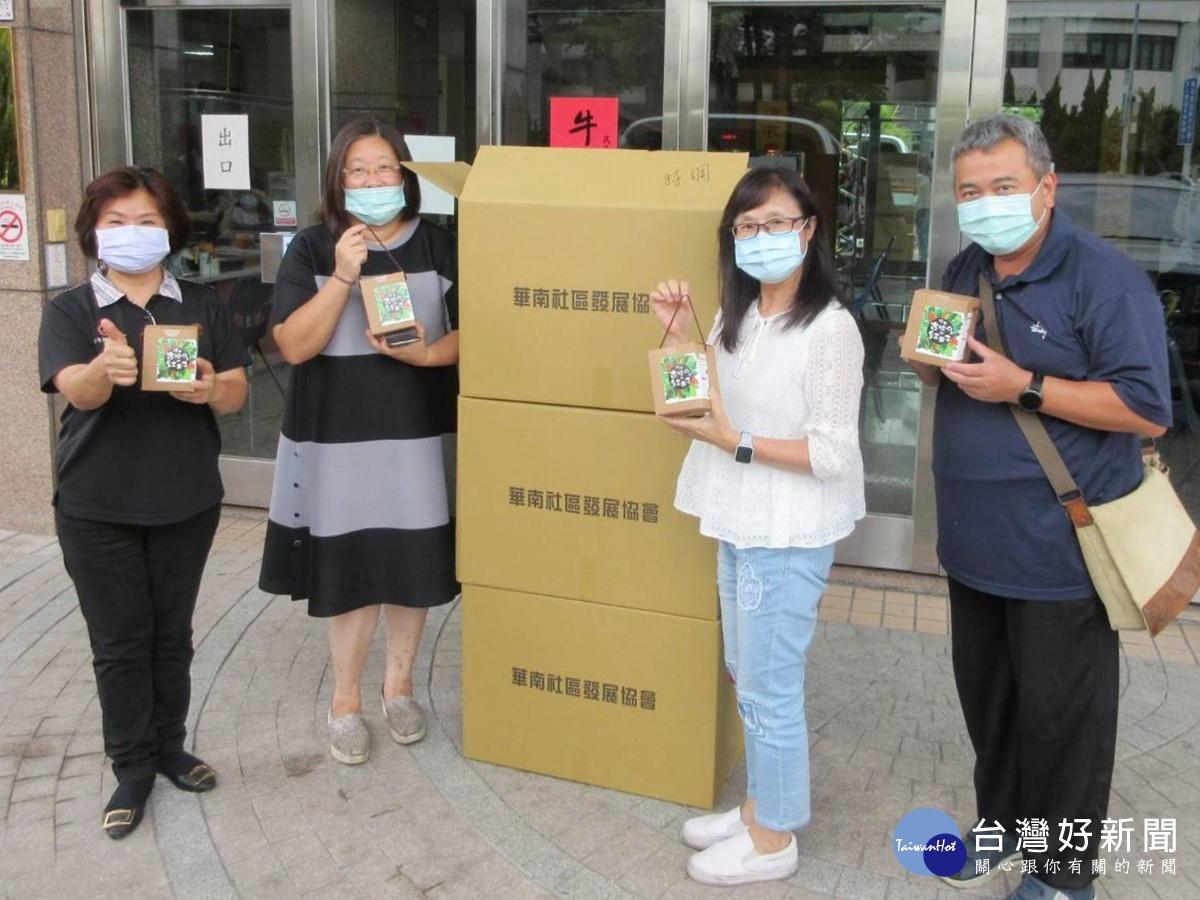 華南社區捐千杯咖啡 挺台大斗六分院醫護人員