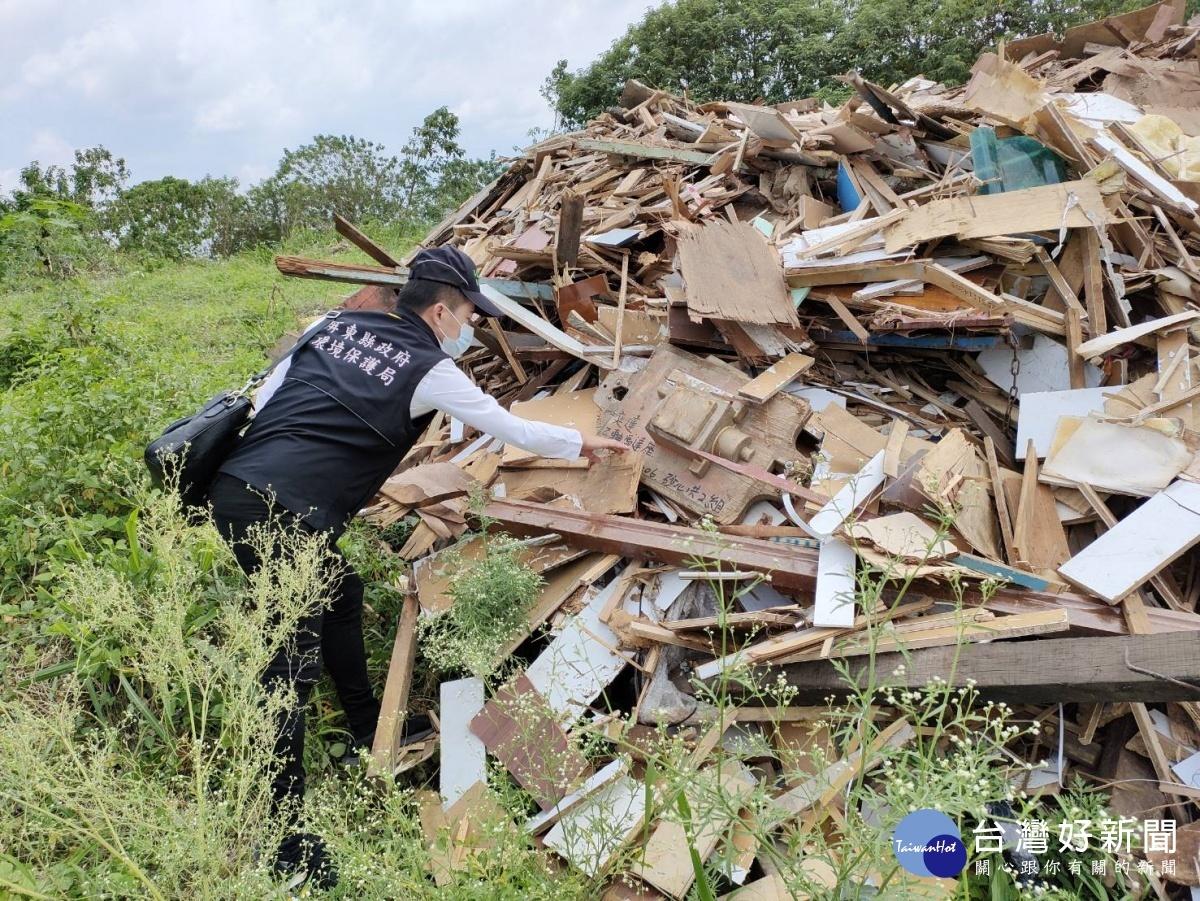 屏東環保局聯合警察局 破獲非法棄置廢棄物業者