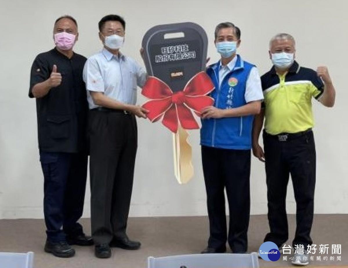 企業捐贈竹縣2輛警用巡邏車 提升員警執勤效能