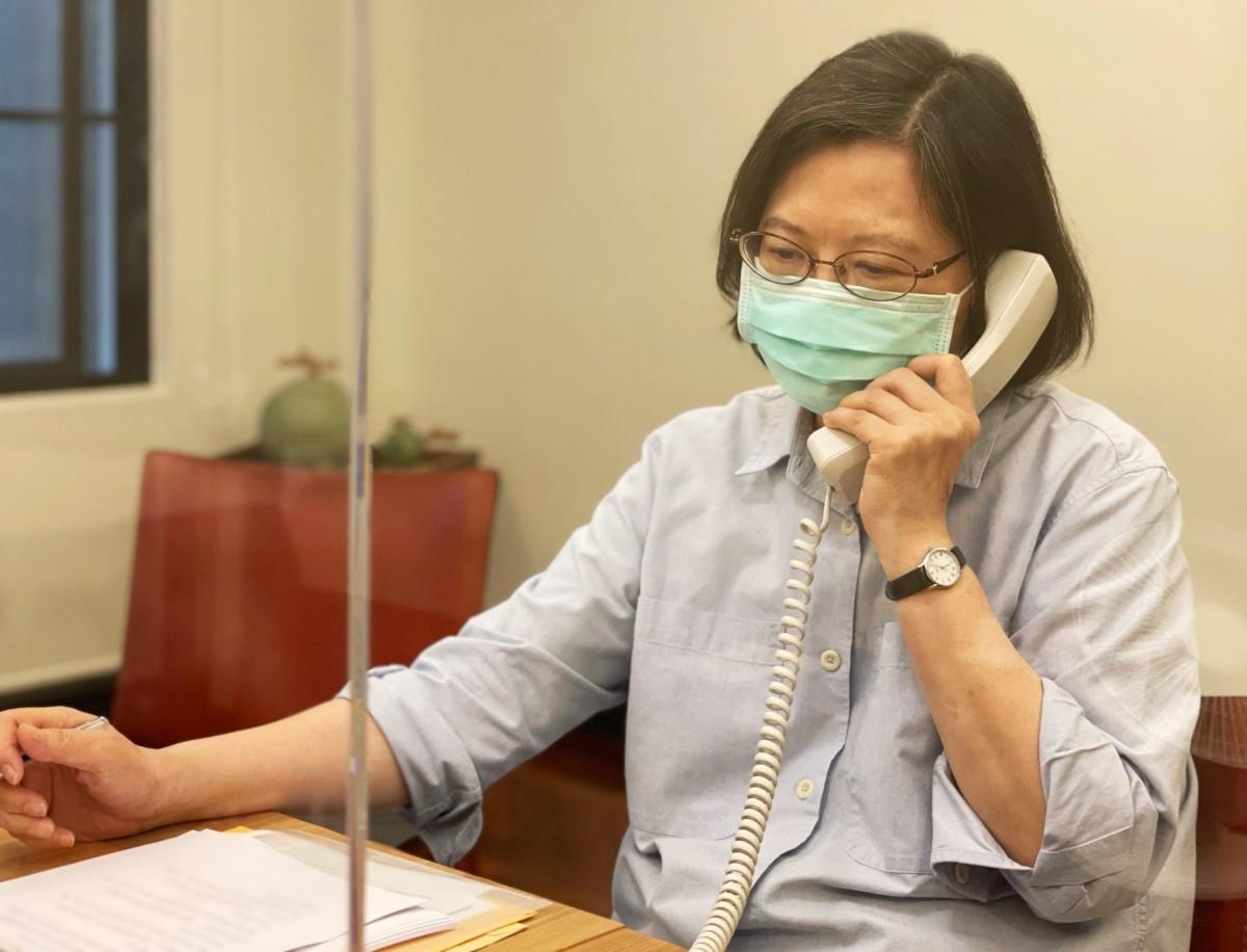 彭文正控小英偷打輝瑞疫苗 府:不折不扣的謠言