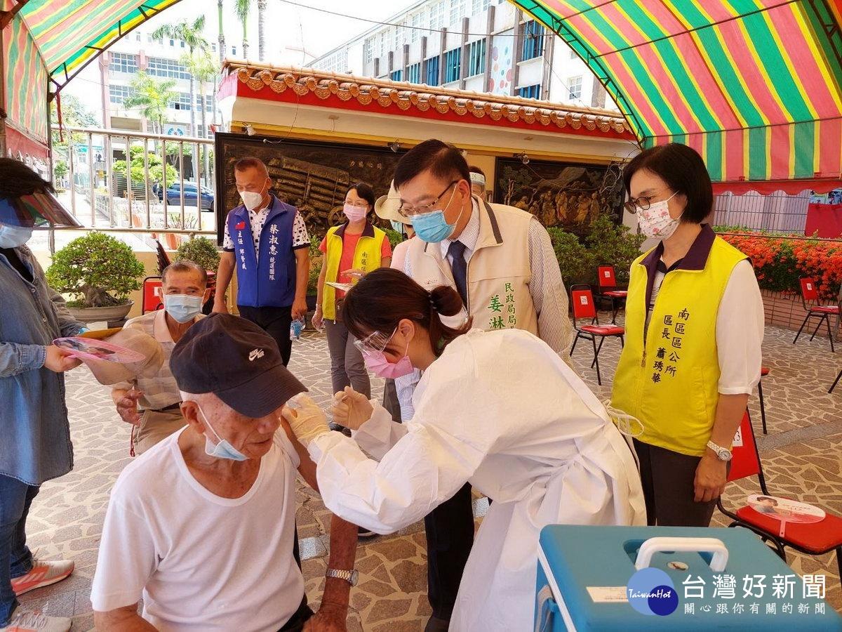 加強服務喜樹、灣裡地區長者 南市南區增設疫苗接種站
