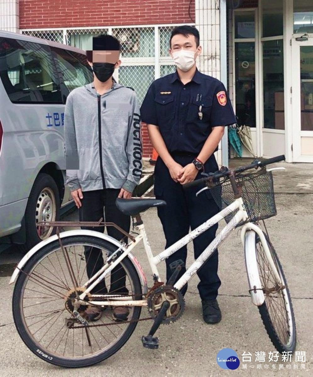 學童PO網急尋腳踏車 北港警積極協助找回