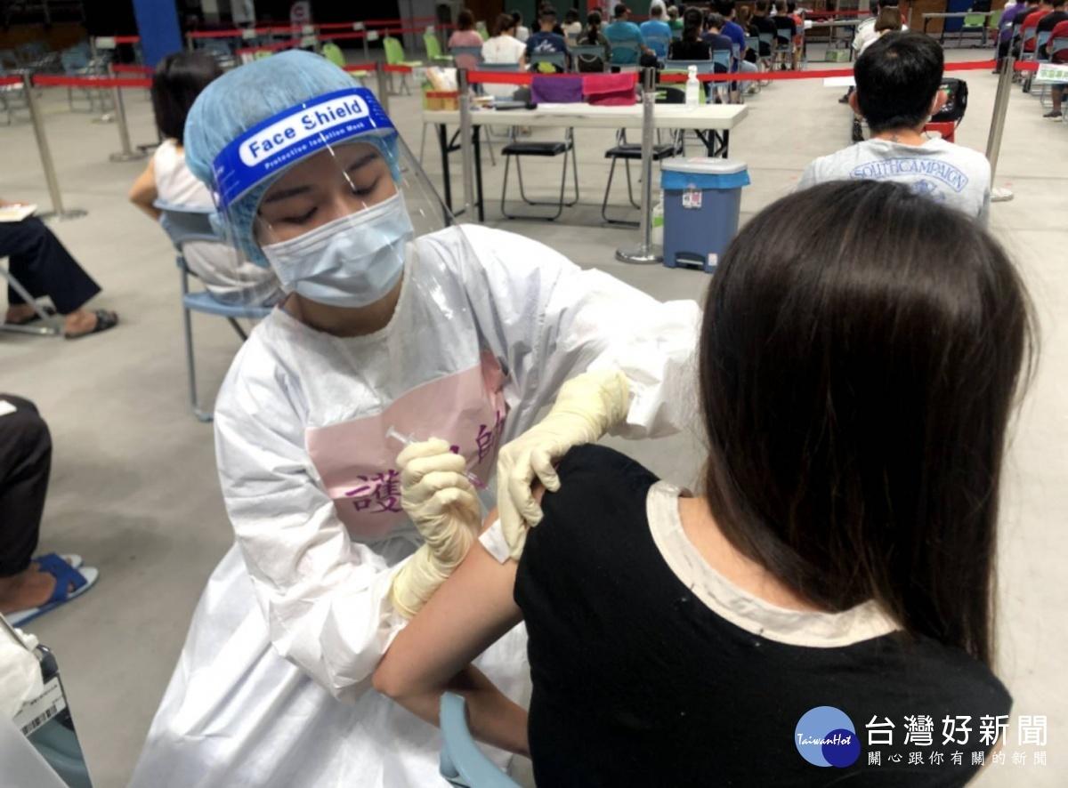 登記疫苗施打強化保護力 潘孟安:青壯年千萬別猶豫