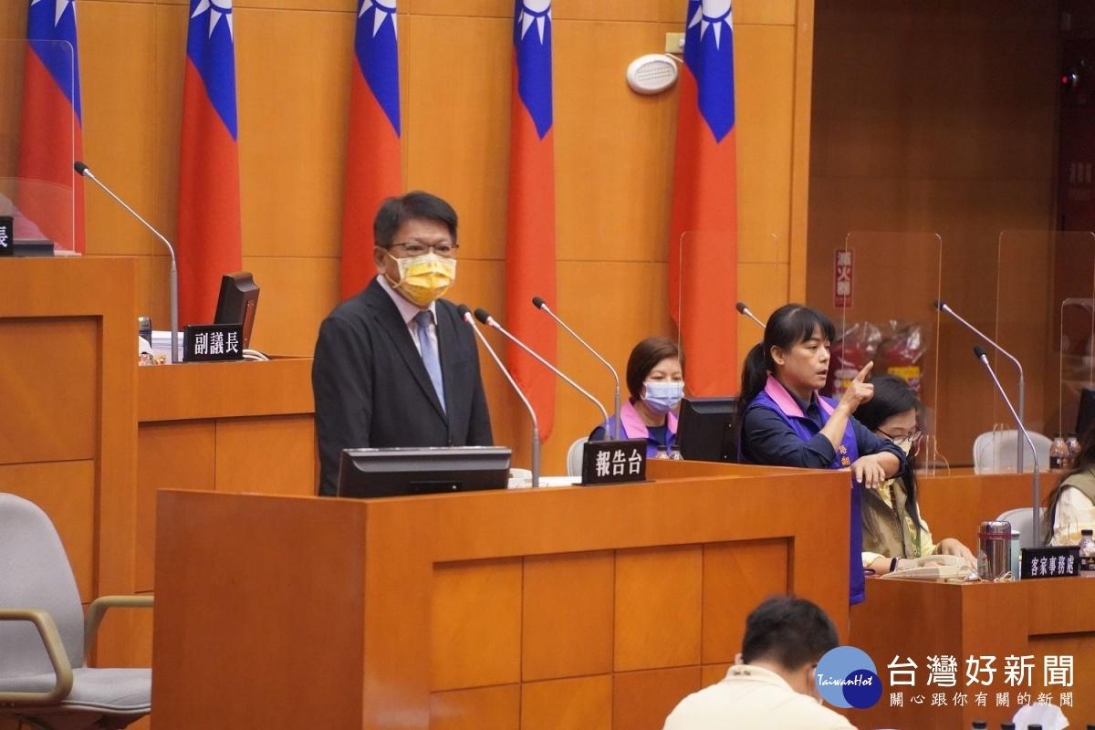防疫警戒降級 屏東縣議會恢復開議