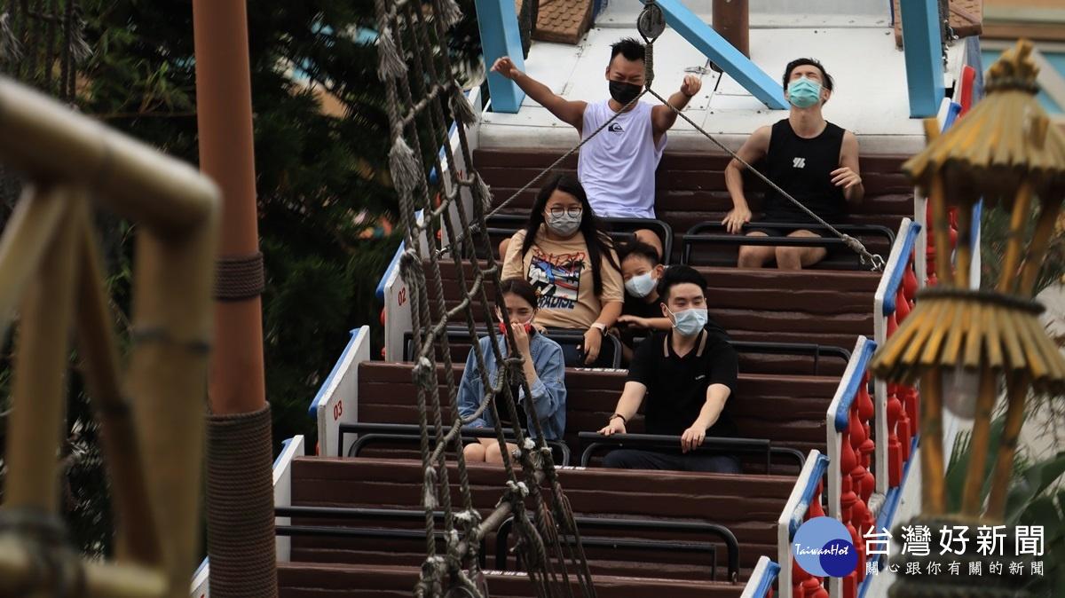國、高中生看過來 六福村限定推出「中學生優惠」