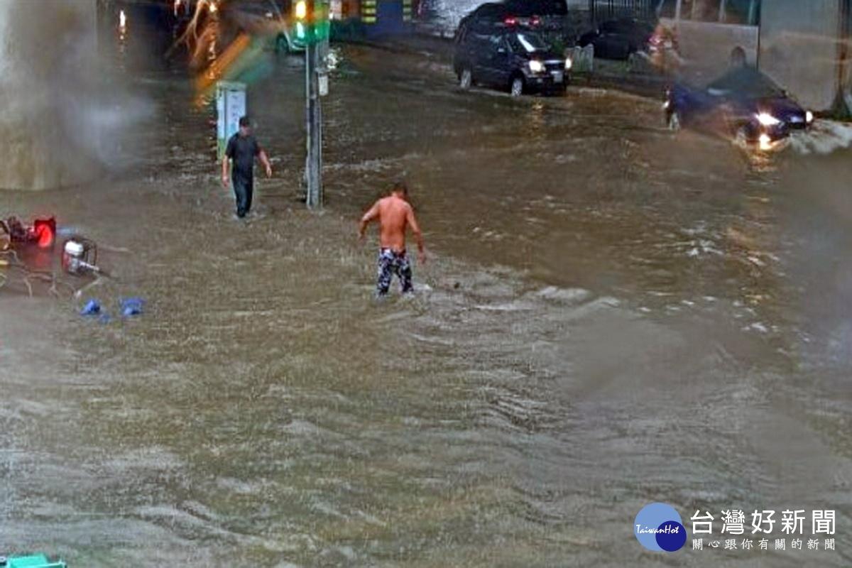 午後熱對流強降雨 桃市水務局開設應變中心防汛備戰