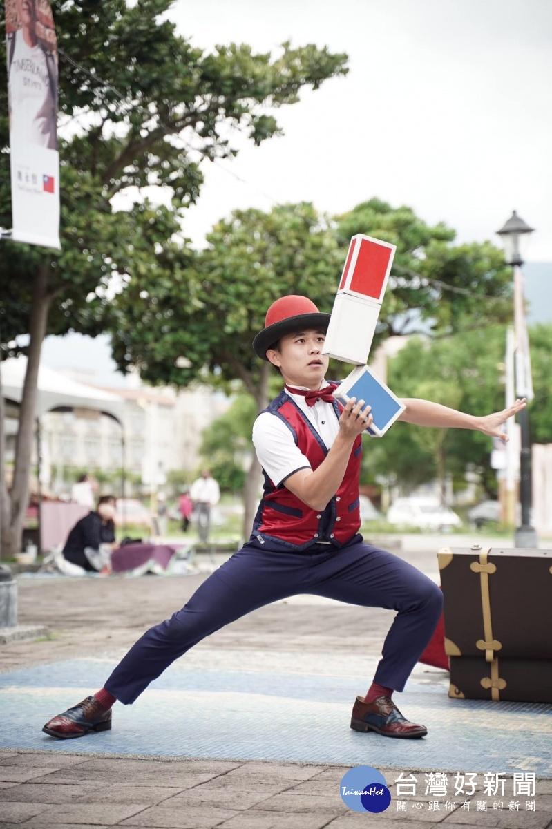 中市街頭藝人相挺振興經濟 中秋連假200組街藝接力演出
